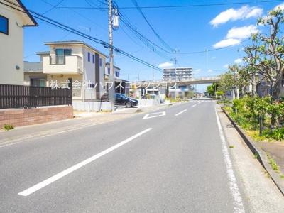 【前面道路含む現地写真】牛久市田宮第5 新築戸建