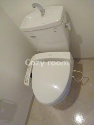 温水洗浄便座WCです。