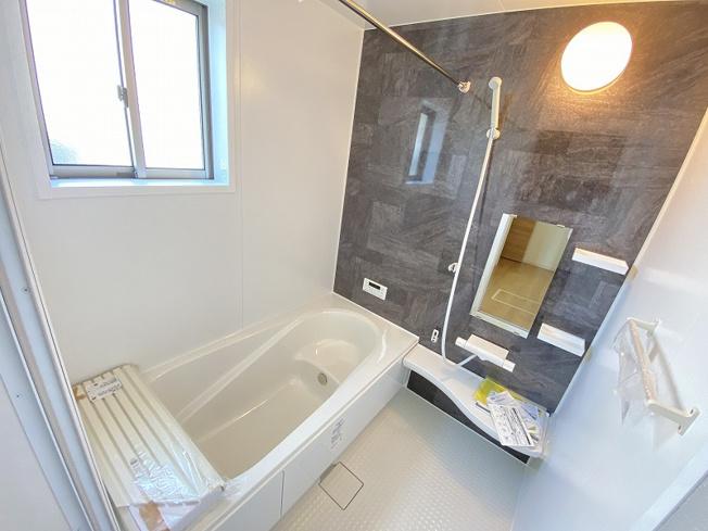 施工例。浴室です。福岡市内や近郊のご見学なら、どこでもお任せ下さい。