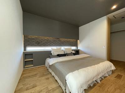 弊社モデルハウス:寝室 物件から徒歩約1分の所にモデルハウスがあります。 すぐに見学可能ですのですのでお気軽にお越しください('ω')