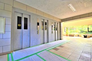 エレベーターは3基ありますので、 朝の忙しい時間帯でも安心です♪
