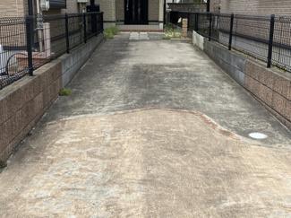 若葉区桜木7丁目 中古戸建 桜木駅 縦列でお車2台駐車可能です♪