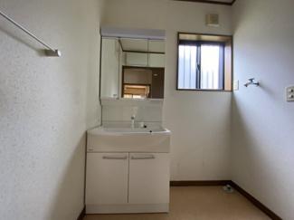 若葉区桜木7丁目 中古戸建 桜木駅 清潔感のる独立洗面台です♪