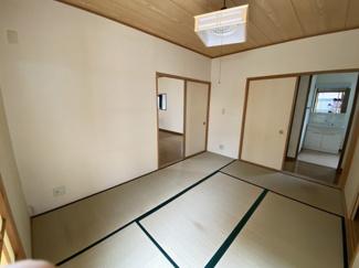 若葉区桜木7丁目 中古戸建 桜木駅 お客様がいらっしゃったときや、お子様の面倒を見るときに便利な和室スペースになります。