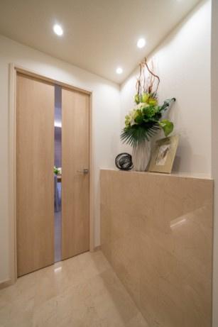 ラフィネ大崎:明るく清潔感のある玄関廊下です♪