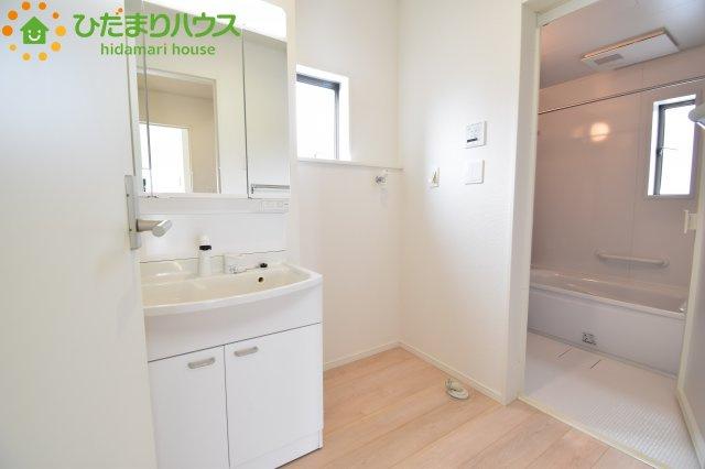 清潔感のある洗面所です(^^♪