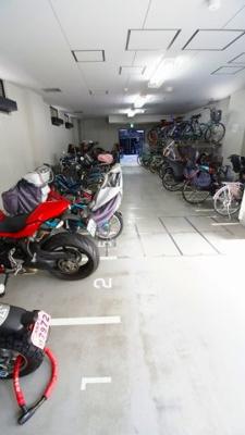 【駐車場】プラウドタワー安堂寺