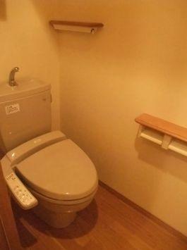 ウォシュレット付トイレ☆