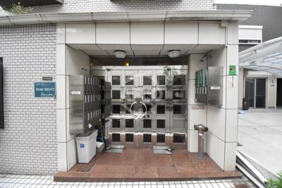 菅栄町レディースマンション エントランス