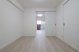 洋室4.5帖です♪建具を外せばさらに広い空間になりますね(^^)