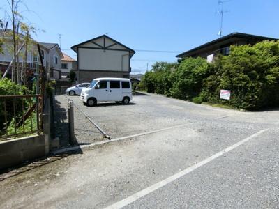 【駐車場】カーサカンプノウ