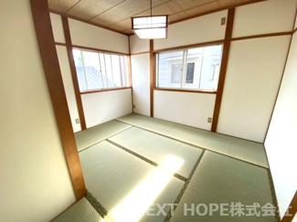 2階和室7帖です♪足を伸ばして寛げる居室です!!二面採光の明るい室内です!ぜひ現地でご確認ください(^^)