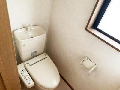 ゆったりとした空間のトイレです。
