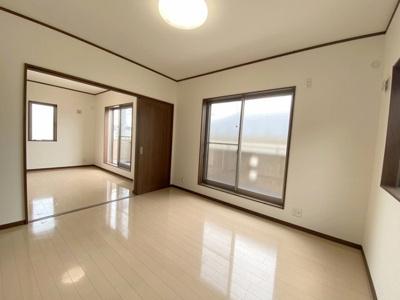 2階7.0帖の洋室