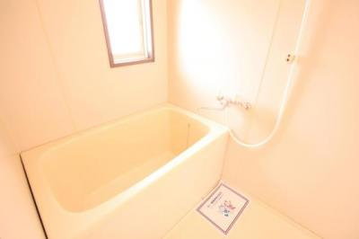 こちらのお風呂でリフレッシュしてください