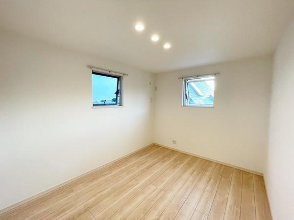 3階洋室約5.5帖です