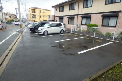 【駐車場】ナイゼハイツ