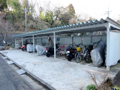 駐輪場、バイク置場に屋根あり