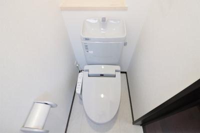 清潔感のある1階ウォシュレット付きトイレです