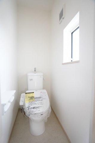 2階 温水洗浄機能付きです。