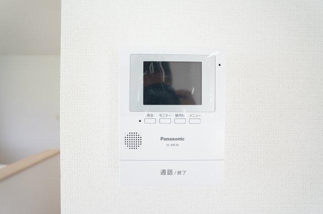 来客がきたらTVモニターで確認できます。防犯面も安心ですね。