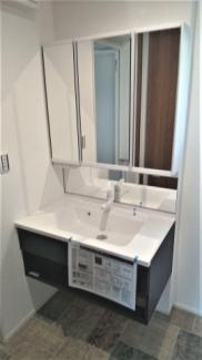 Panasonicのオフローラになります。エステケアシャワーで皮脂汚れまで優しくきれいに落とす、空気の泡を含んだシャワーです