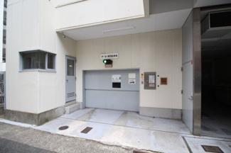 【駐車場】ソーラービル