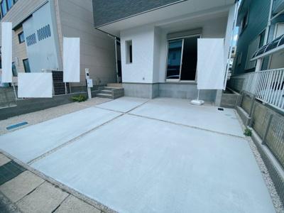 駐車2台分悠々スペース確保!