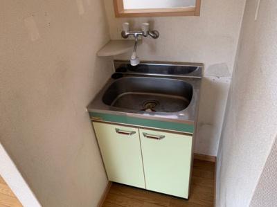 使いやすい独立洗面台です。