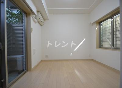 【居間・リビング】アジールコート西新宿
