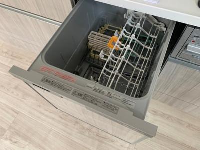 食器洗浄機付きです。