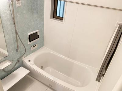 コンパクトで使いやすいお風呂です。