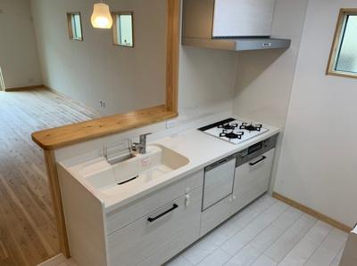 対面式の使いやすいキッチンです。