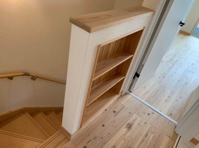階段です。収納スペースもあります。