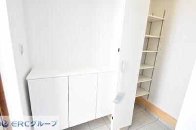 セールスポイント 何かと玄関周りの整理整頓もでき、便利なシューズインクローゼット