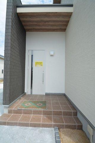 【玄関】【野面】新築戸建