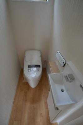 女性の方に好評♪独立のお手洗いがついています♪