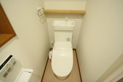1F トイレ(ウォシュレット付)