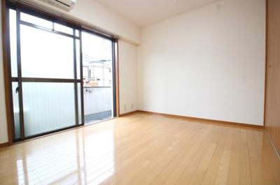 【寝室】第3三栄ビル