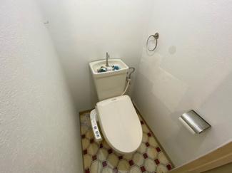 トイレです♪温水洗浄便座です!