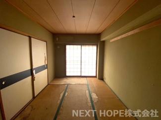 和室6帖です♪南向きバルコニーに面した明るく開放的な室内です!お好きなリフォームを楽しんでみませんか?