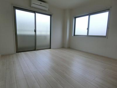 【洋室】メゾンリヴァージュⅢ