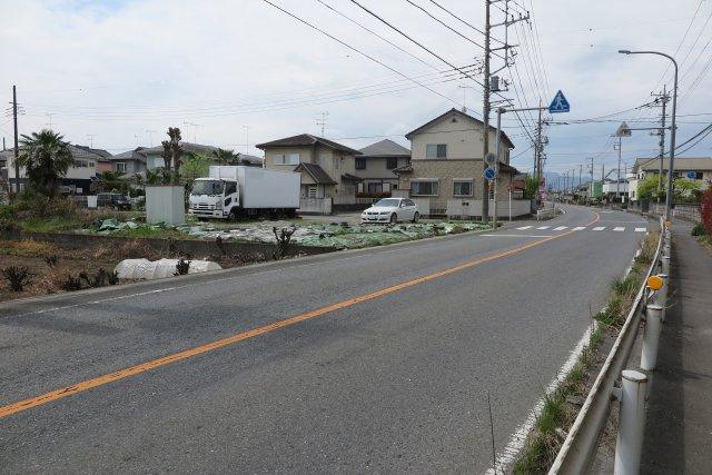 北側幅員約10m公道に接道 西側幅員約4.2m公道に接道