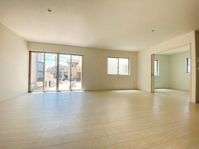 LDK+つながる洋室を合わせると24帖超の広々住空間に!