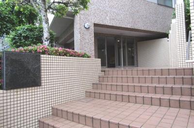【エントランス】コスモ舞子坂弐番館