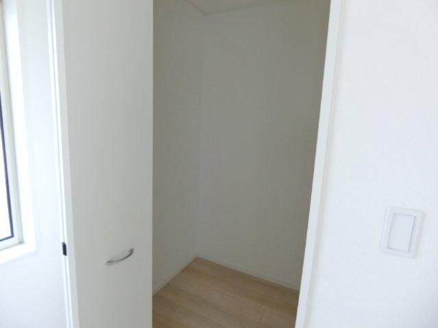 洋室3の収納。収納豊富です