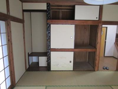 和室8帖収納スペースです