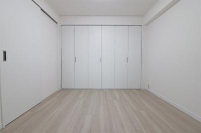 個人の部屋や寝室として使える洋室です クローゼットもあります