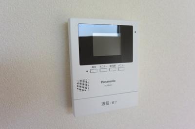 ※イメージ TVモニター付きインターフォンで安心です。