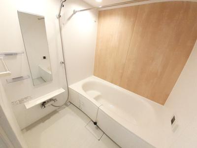 【浴室】レフィナードA